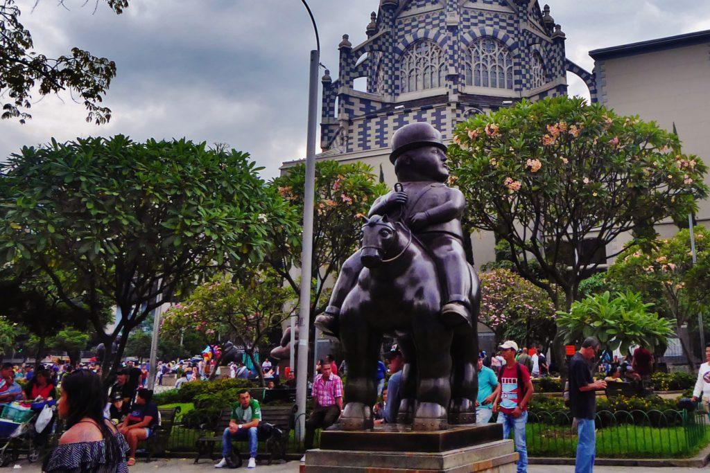 """Skulptur auf dem """"Botero-Platz"""" in Medellín, Kolumbien"""